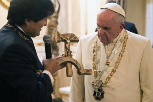 Bolivian president Evo Morales presents Pope Francis with  communist crucifix